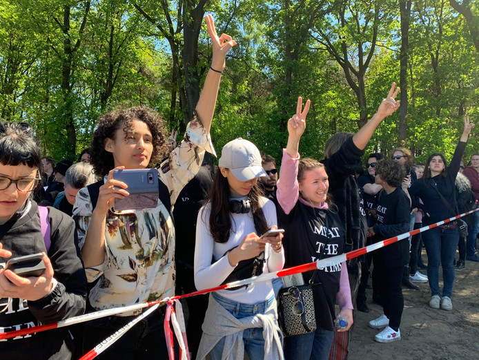 Activisten bij een varkenshouderij in Boxtel.
