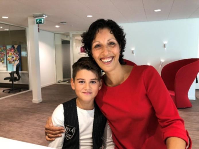 Justin de Wit met zijn moeder