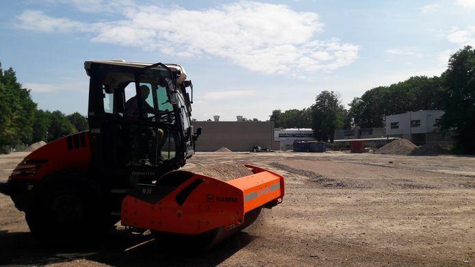 Het bouwrijp maken van de plek waar het nieuwe Strabrecht College komt is begonnen