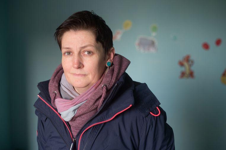 Wendy Mignolet huurde een huis in Hoepertingen. Na een zware storm waarbij het dak was afgewaaid is er heel veel schade aan het huis. De eigenaar heeft het nooit laten maken.