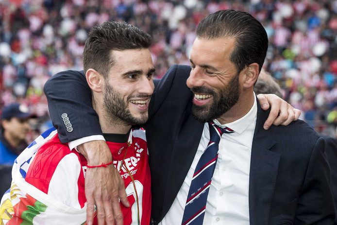 Gastón Pereiro en Ruud van Nistelrooij.