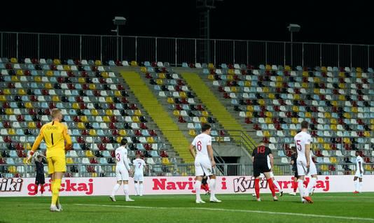 Kroatië en Engeland stelden vanavond teleur in Rijeka, waar geen publiek welkom was.