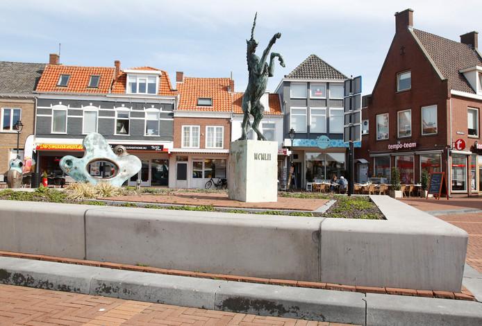 Eenhoornstad Oostburg heeft de Glazen Eenhoorn, een wisseltrofee, voor mensen die zich inzetten voor de stad.