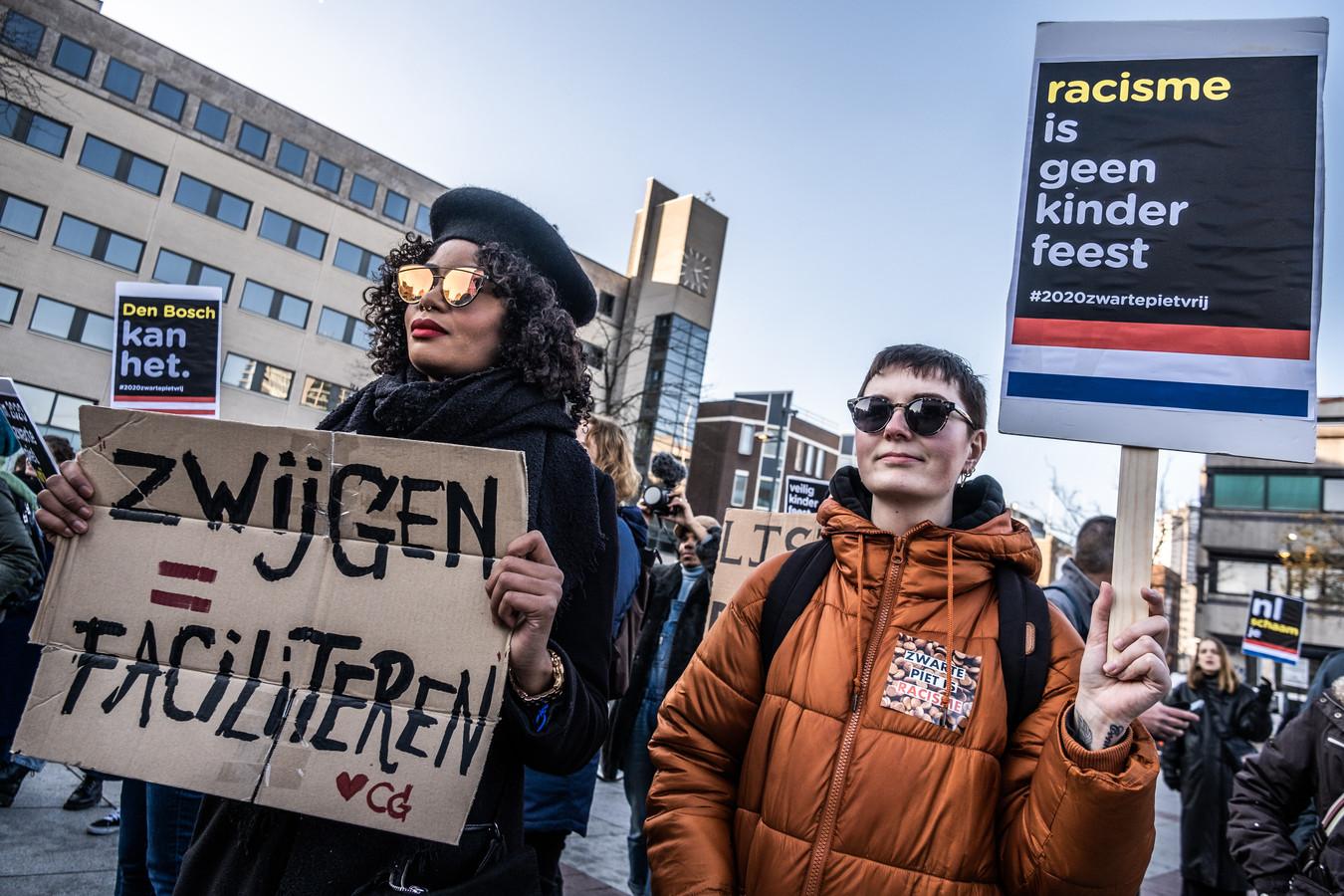 Een actie van Kick Out Zwarte Piet op het Stadhuisplein in Eindhoven.