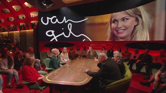 Julie Van den Steen met Rens Kroes in 'Van Gils & Gasten'