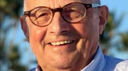 """Afscheid van ereburgemeester Dirk Cardoen (80): """"Je was een fantastisch persoon, een rasechte volksmens die zo graag onder de mensen was"""""""