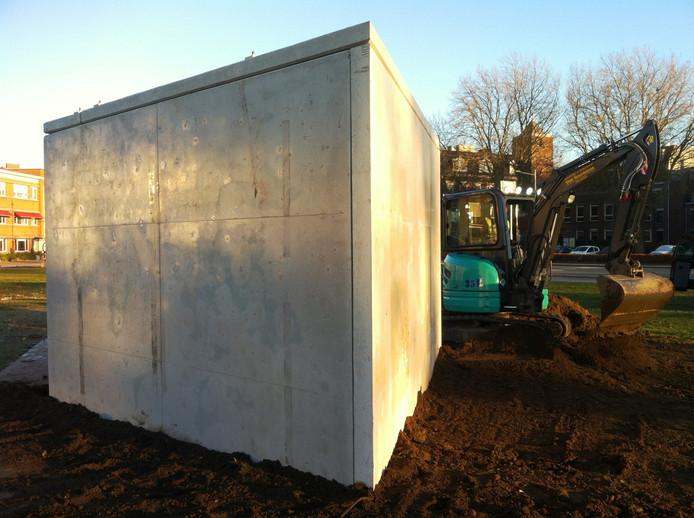 De betonnen voet waarop het Boschbeest komt te staan is al geplaatst.