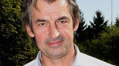 Drie maanden loon ingehouden van secretaris die sjoemelt: voor duizenden euro's schuimwijn besteld bij een bedrijfje van zijn moeder