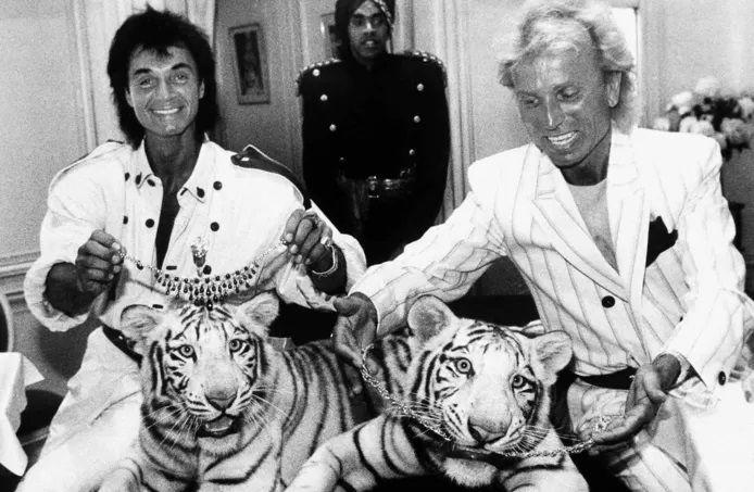 Les magiciens  Roy Horn et Siegfried Fischbacher.