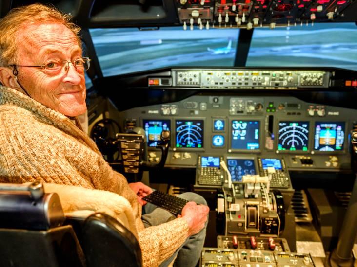 Nico heeft een cockpit en vliegt daarmee rond in zijn eigen huis