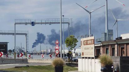 """Zwarte rookpluim boven Antwerpen: """"Geen brand, maar 'affakkeling' in Waaslandhaven"""""""