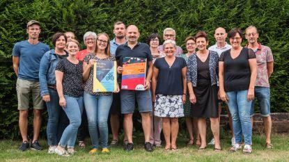 """Familie Baeck-Everaert organiseert fietstochten ten voordele van onderzoek naar jongdementie: """"Jonge generaties behoeden voor wat mama overkwam"""""""