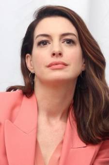 Un homme poignardé sur le tournage du nouveau film d'Anne Hathaway