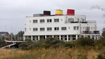 Schoorstenen De Normandie in zwart-geel-rood
