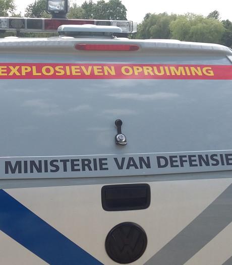 Wandelaar vindt 'zak granaten' langs N224 in Ede