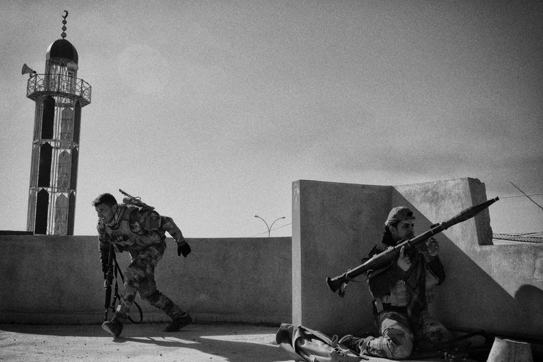 Iraakse troepen in de strijd om Mosul in 2016. Beeld Eddy van Wessel