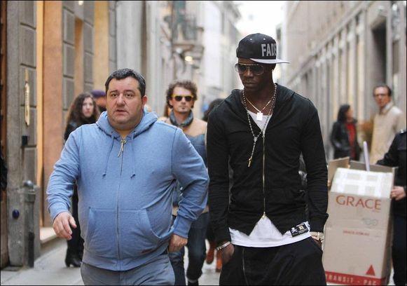 Balotelli op stap met Raiola in Nice.