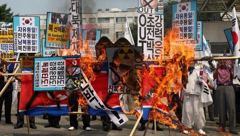 De relatie tussen beide landen is ernstig verslechterd sinds Lee Myung-bak vorig jaar tot president van Zuid-Korea werd gekozen. Een rakettest en een kernproef eerder dit jaar zetten de relatie verder onder druk. Foto EPA Beeld
