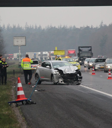 File op A1 bij afrit Markelo na ongeluk