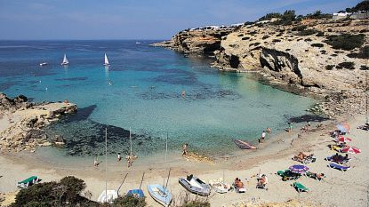 Krijg ik mijn geld terug als ik niet durf reizen? En mag ik Spanje doorkruisen om naar Portugal te gaan? Alle vakantievragen opgelijst