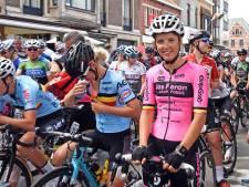Zeeuwse wielerploeg beleeft ramprit rond Sluis in BeNe Ladies Tour