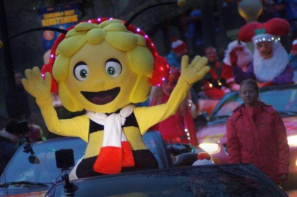 Ook Maya de Bij verkeert in kerststemming.