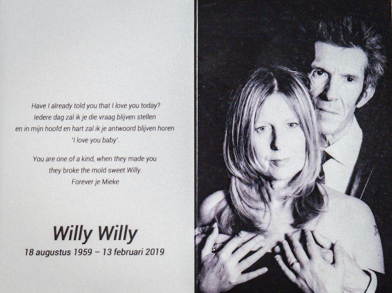Een foto van Willy Willy en Michèle sierde het bidprentje op zijn begrafenis.