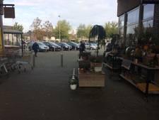 Fietsverbod in winkelcentrum 't Raan in Raalte van de baan