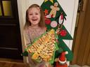 Blogster Linda van Aken maken in de klas van haar nu 5-jarige dochter goede sier met de Nutella-kerstboom.