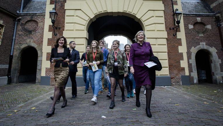Kamervoorzitters Ankie Broekers-Knol (R) en Anouchka van Miltenburg (L) Beeld anp