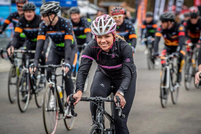 Opening wielerexperience Roosendaal. Foto: Leontien van Moorsel in actie bij openingsrit op de wielerbaan.  Foto: Tonny Presser/Pix4Profs