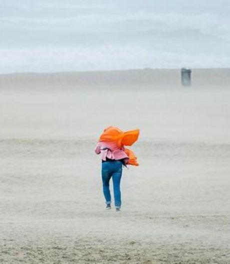 Zomerstorm blijft Nederland bespaard, morgen wel onstuimig met veel wind aan zee
