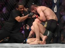 Nurmagomedov verslaat McGregor, massaal gevecht breekt uit