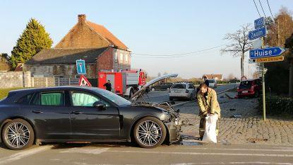 Twee chauffeurs lichtgewond bij ongeval op Ouwegemsesteenweg in Lozer
