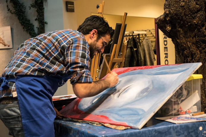 Braziliaans/Nederlandse kunstenaar David Hyden in Nuenen