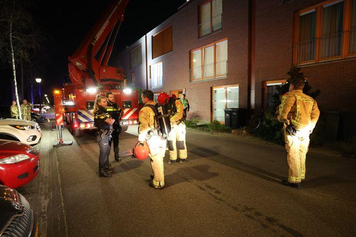 Barbecue vliegt in brand op dakterras in Eindhoven.