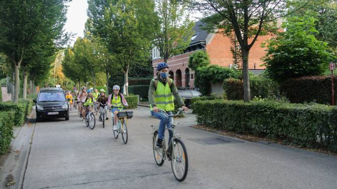 Scholieren fietsen veilig naar school dankzij schoolroutekaart