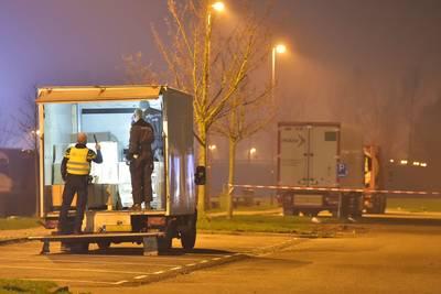 politieactie-benzinestation-a16-agent-onwel-na-ruiken-chemische-lucht-in-busje