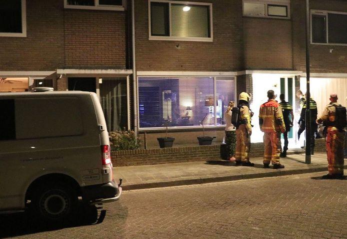 Een explosief voor de deur van een woning, zoals in april aan de Bariumstraat, heeft enorme gevolgen voor het veiligheidsgevoel. Zoiets kan reden zijn om tijdelijk camera's te plaatsen, zegt burgemeester Heerts.