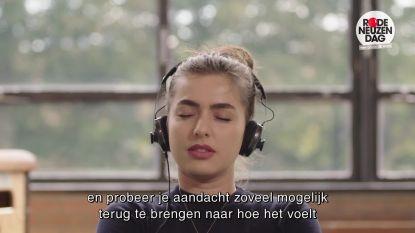 Mediterende Olga Leyers wordt beetgenomen door cast 'Safety First'