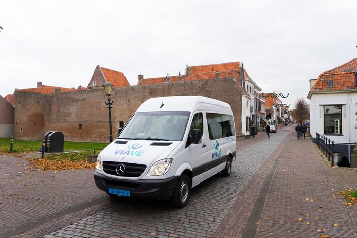 ViaVé is de vervoerder voor een groot deel van de Veluwe. De busjes rijden in Elburg (foto), Oldebroek, Nunspeet, Harderwijk, Ermelo en Putten.