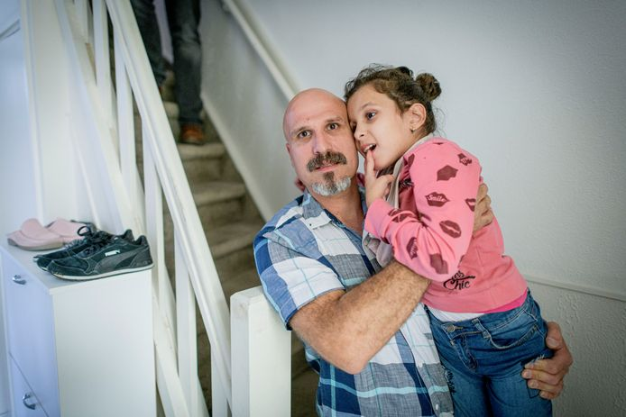 Irem met haar vader Serdal Tasci.