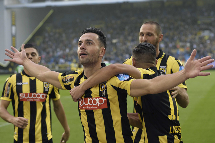 Vitesse-speler Thomas Bruns na zijn 1-0 tegen NAC Breda.