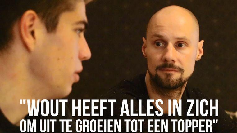 Wout van Aert krijgt raad van Tom Boonen.