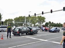 Ravage op Midden-Brabantweg na ongeluk, één man mogelijk onder invloed