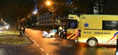 Fietser geschept door auto op Broekheurne-Ring in Enschede
