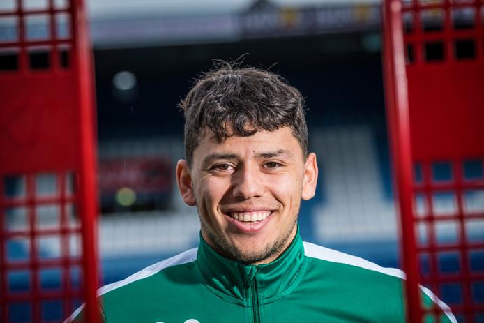 Kersverse vader Gustavo Hamer slaat het trainingskamp van PEC Zwolle in Zuid-Spanje over en traint de rest van de week met beloften van de club mee.