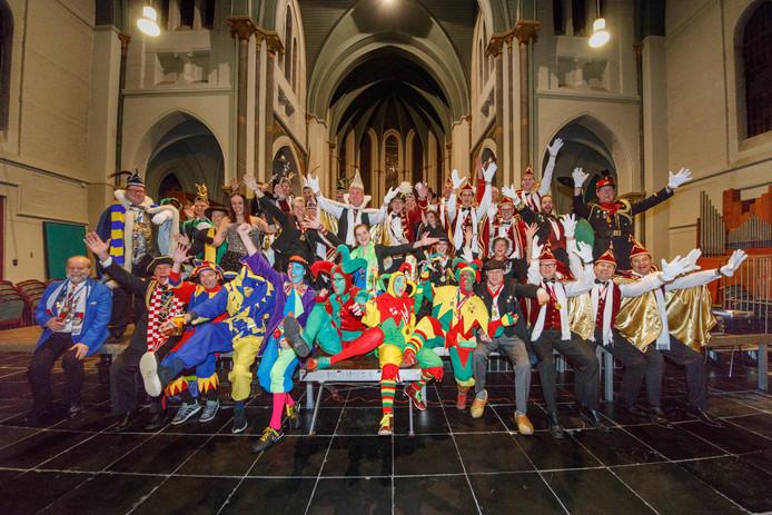 Het jubileum van het Loerendonckse carnaval werd gevierd met prinsen en hun gevolg uit de hele regio.