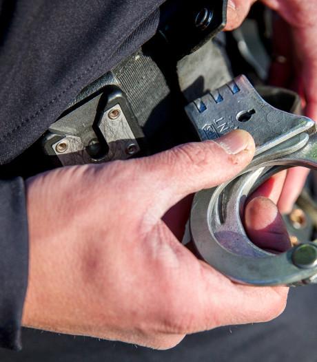 Man (25) aangehouden in Roosendaal voor roekeloos rijgedrag en poging tot zware mishandeling