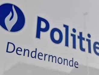 """Opnieuw vier inbraken in voertuigen op grondgebied Dendermonde: """"Check of auto slotvast is"""""""